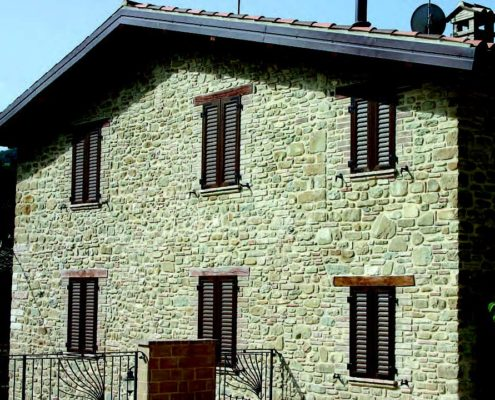 Errebiplast vende finestre in PVC a Pesaro